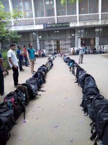 Acute crisis of seating space at Dhaka University central library