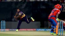 IPL 2017: Suresh Raina helps struggling Gujarat Lions beat Kolkata Knight Riders by 4 wickets