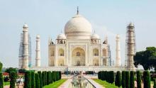Taj Mahal gets a facelift – and slaps on a mudpack