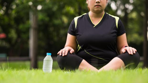 Less stress might mean lower blood sugar for overweight women