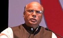 Those threaten to stop polls do not believe in democracy: Nasim