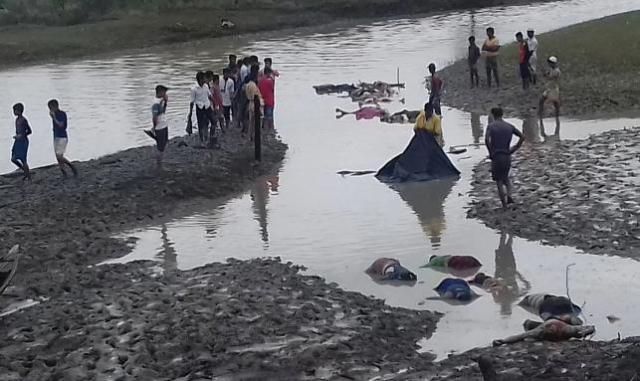 Bangladesh struggles to cope with influx of Rohingyas fleeing brutal crackdown in Burma