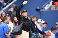 Sharapova ousted while Venus, Kvitova advance in US Open