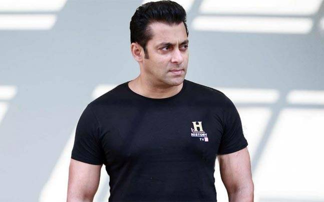 Salman inaugurates driving centre, people can't get over the irony