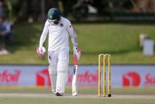 Bangladesh suffer early batting jolt in second Test