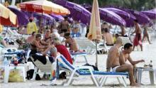 Thailand bans smoking on popular tourist beaches