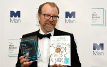 American author Saunders takes Man Booker prize