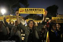 Catalonia crisis: Protests as ex-ministers held in Spanish custody