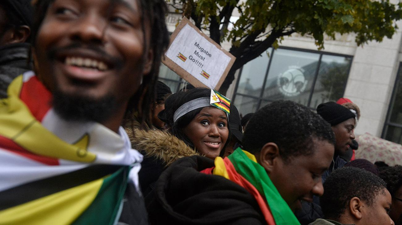 'Zimbabwe's ruling party set to sack Mugabe'