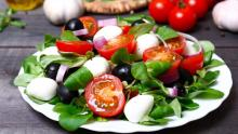 Want to be healthy? Combine Mediterranean diet with moderate exercise to lose fat