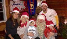 Messi takes kids to meet Santa to cap a good weekend