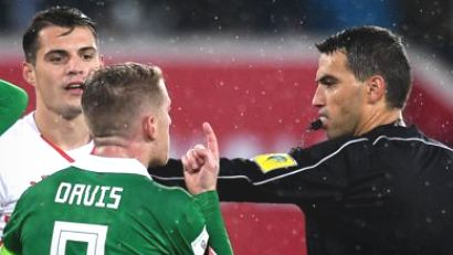 Referee admits error in World Cup play-off
