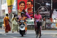 Sri Lanka lifts 38-yr ban on women buying, selling alcohol
