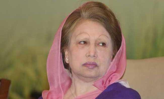 Five lawyers meet Khaleda Zia in jail
