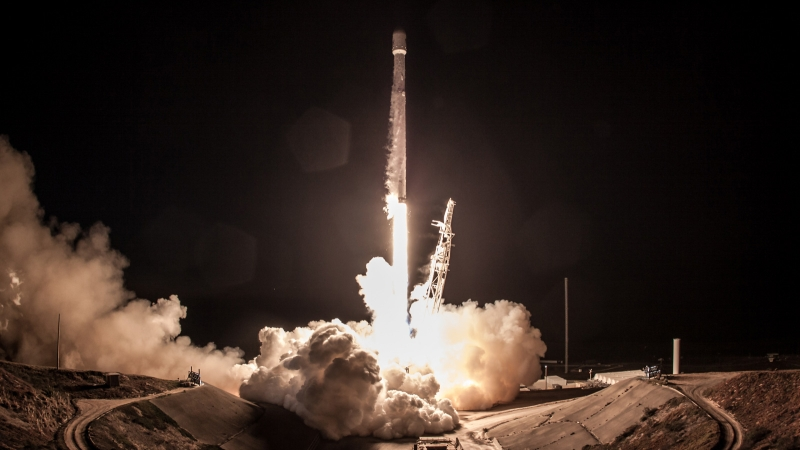 SpaceX delays its satellite internet launch to February 21st