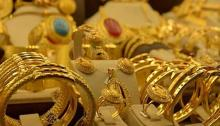 Gold prices fall by Tk 1,283 per bhori
