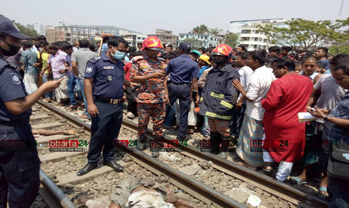 Train derails in Tongi, 5 killed