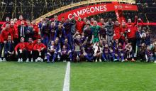 Messi, Suarez inspire Barca to win 30th Copa del Rey