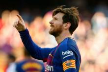 Messi zooms past Ronaldo