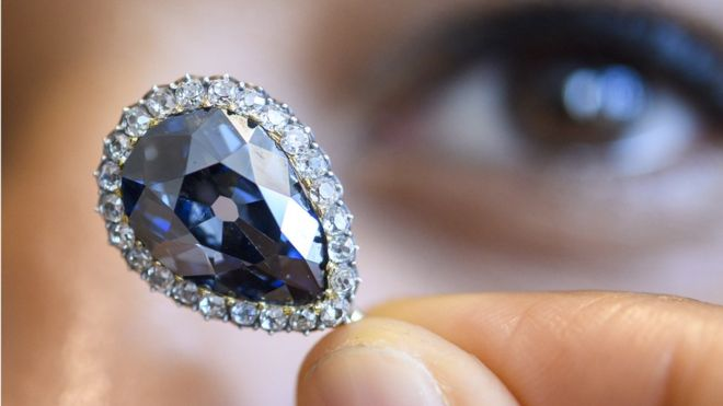 Farnese Blue diamond fetches $6.7m at Geneva auction