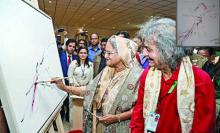 PM draws picture on 'Muktijoddhya'