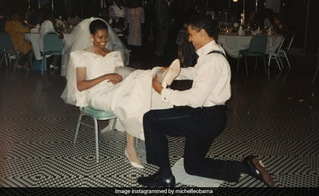 Michelle's throwback pic with barack has internet swooning