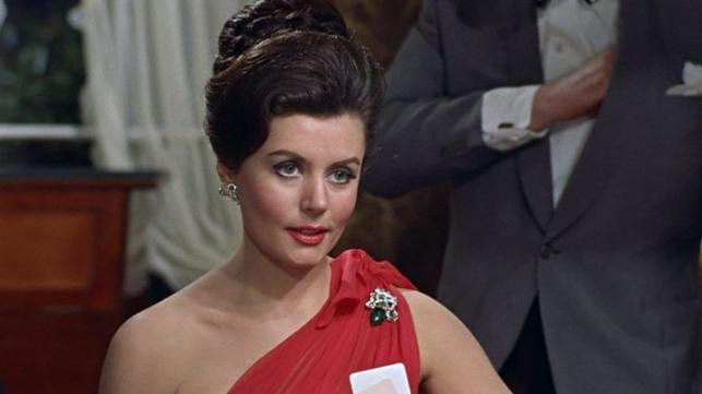 First Bond girl dies at 90