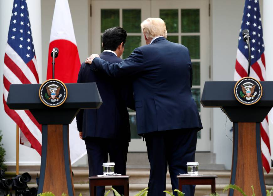 Trump threats Shinzo Abe