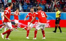 Russia on brink of last 16 at WC, beats Egypt 3-1