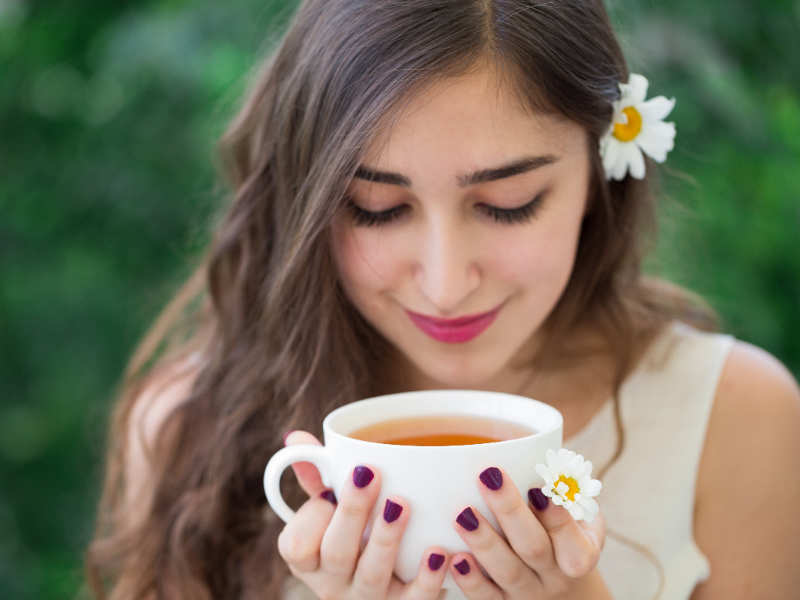5 ways black tea can naturally darken your grey hair