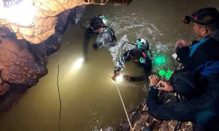 All 13 rescued from flooded Thai cave
