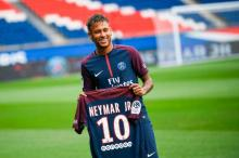 Neymar rules out transfer move