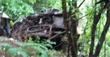 33 killed as Indian bus plunges off mountain road