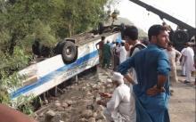 Pakistan road crash kills 18