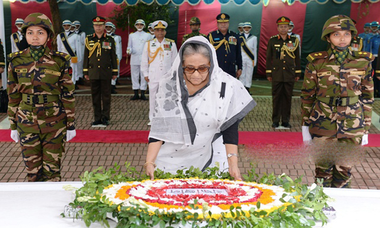 PM pays homage to Bangabandhu in Tungipara