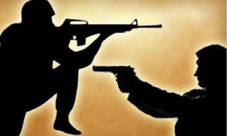 2 drug traders killed in 'gunfight'