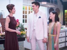 'Crazy Rich Asians' tops US box office