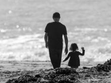 Father-daughter tie to beat loneliness