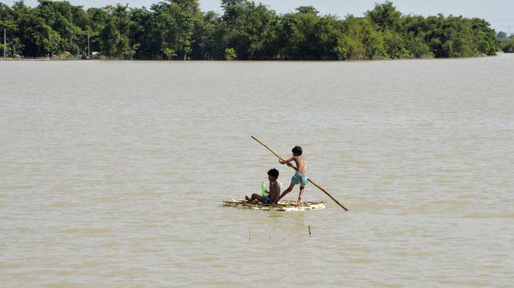 Water levels in 33 rivers rise, 48 fall
