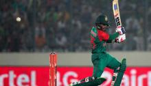 Mahmudullah-Kayes rescue lifts Bangladesh to 249
