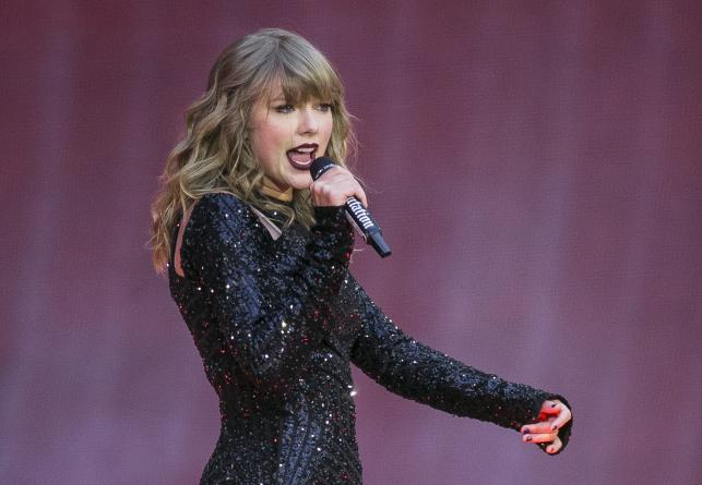 Taylor Swift backs Tennessee Dems