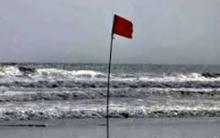 Signal 4 for maritime ports as storm 'Titli' intensifies