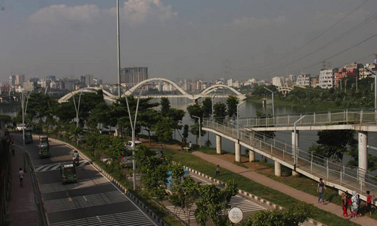Dispose of rule on illegal structures in Hatirjheel: SC