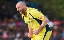 Australia's Hastings struggles with mystery lung condition