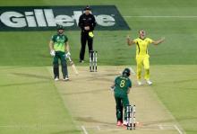 Australia beat South Africa to snap losing streak