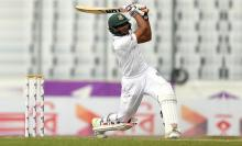 Mahmudullah, Mithun build lead after top-order collapses
