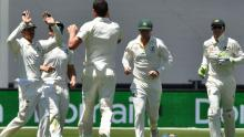 Kohli falls as Australia put India on ropes