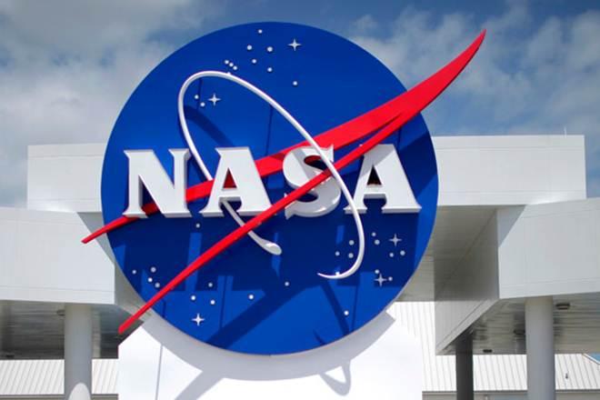 NASA spacecraft hurtles toward historic New Year's flyby