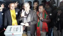Fakhrul casts vote at Thakurgaon Government High School centre