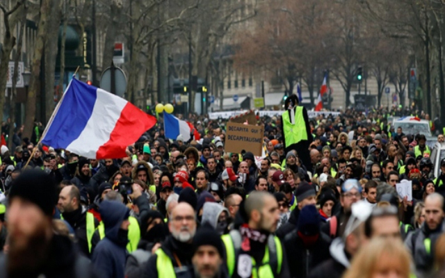 France vows tough response as new 'yellow vest' demos loom